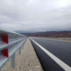 """Лот 3.3 на автомагистрала Струма с ограничителни системи от """"КМВ-системи за пътна сигурност"""" ООД"""